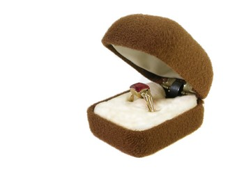 Ladies Room: Issues With Your Engagement Ring