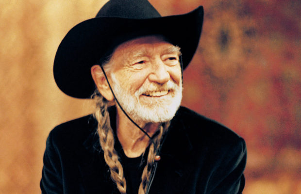 REVIEW: Willie Nelson at Wells Fargo Arena | STAR 102 5