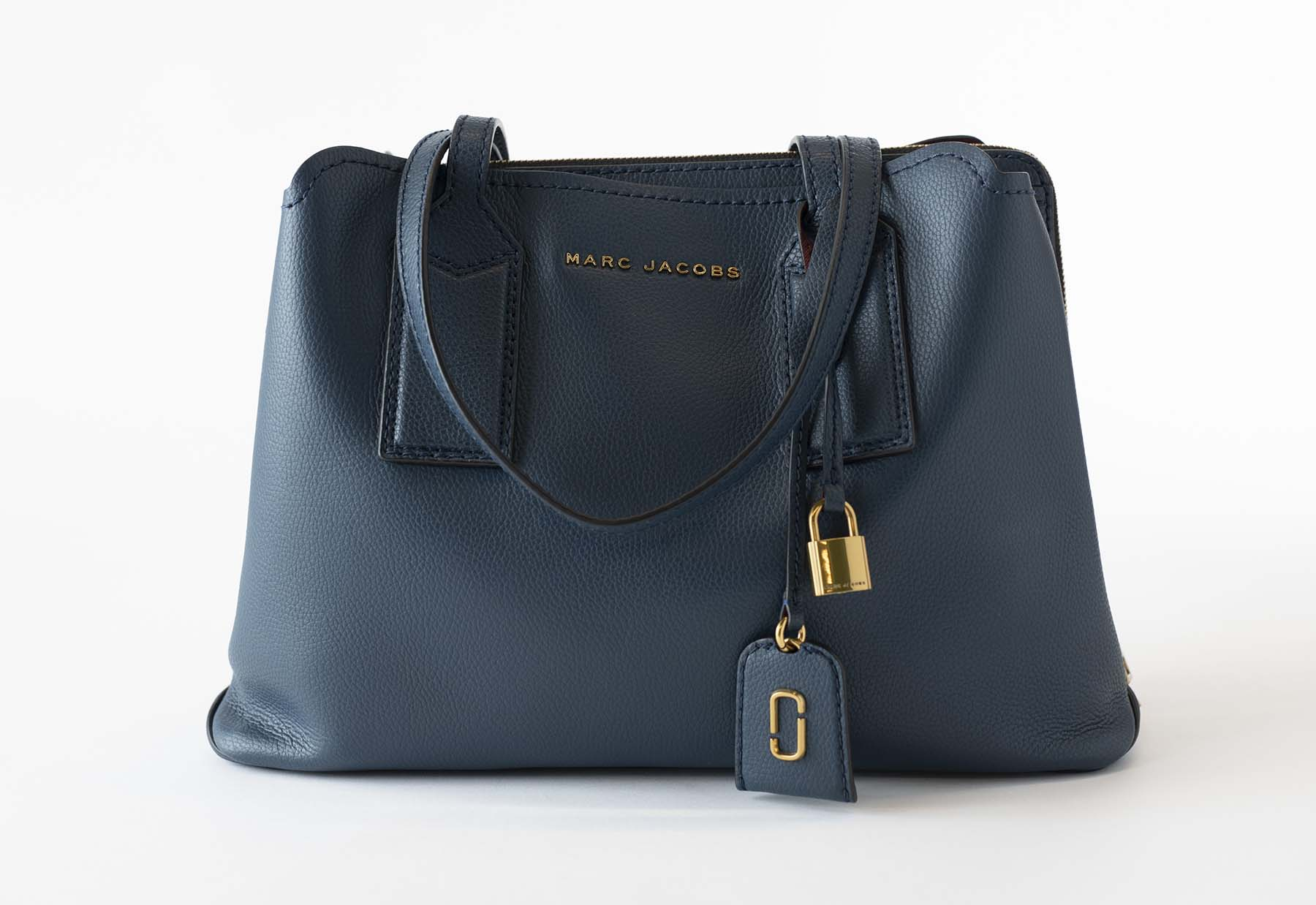 4a8bc1fa4ff6 Do you need a perfect purse for this fall  Then you need me